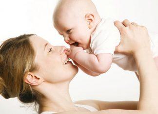 oogcontact met baby