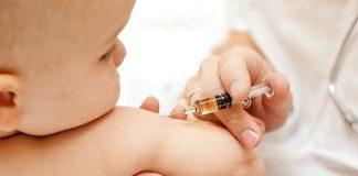 vaccineren baby