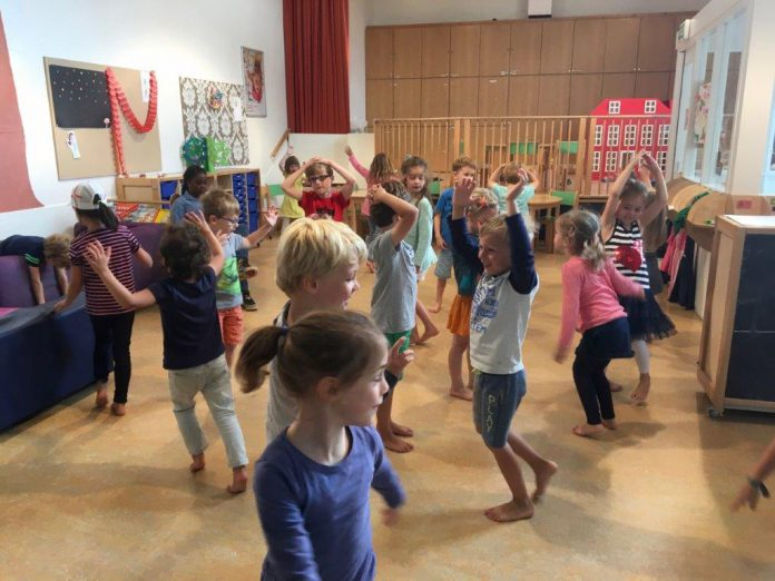 Dansende kinderen