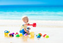 baby op strand
